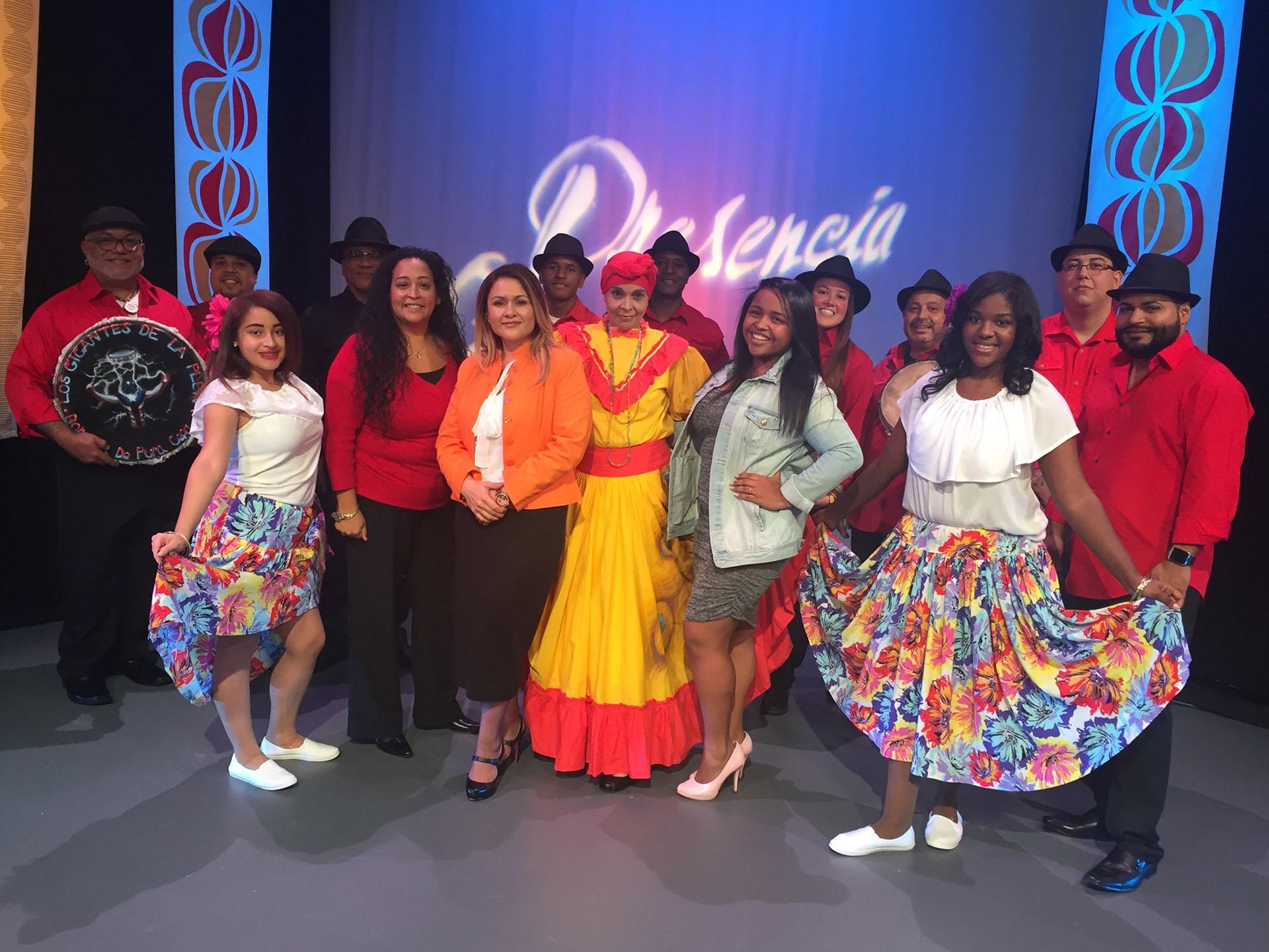 Los Gigantes de la plena es una agrupación puertorriqueña que llevan en alto su cultura, Folclor y su música típica