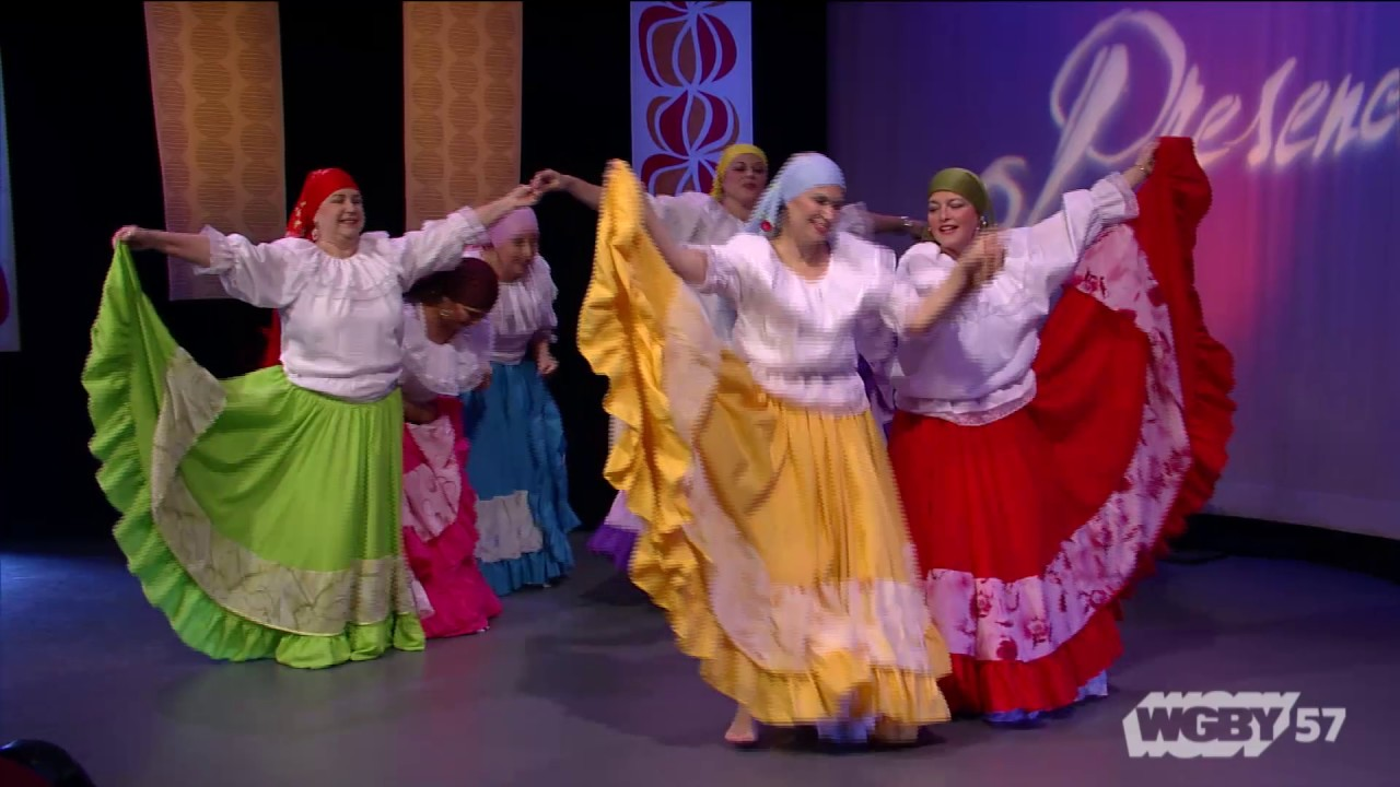Highlighting the music of Central and South America, Grupo Folklórico Tradiciones dance a typical song from del Salvador, Adentro Cojutepeque.